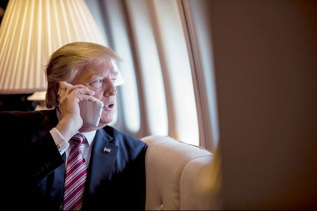 Donald Trump en janvier 2017 dans Air Force One.
