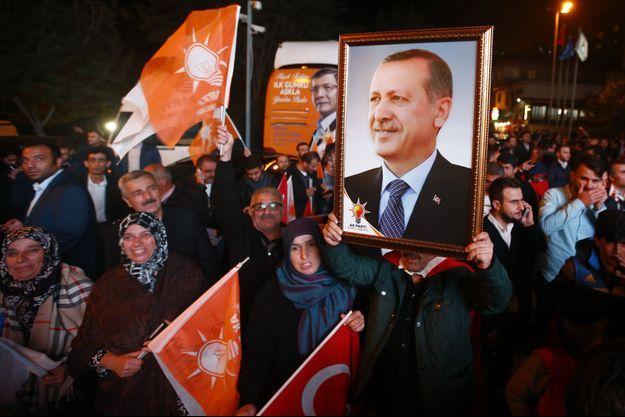Le parti de Recep Tayyip Erdogan est arrivé largement en tête en Turquie.