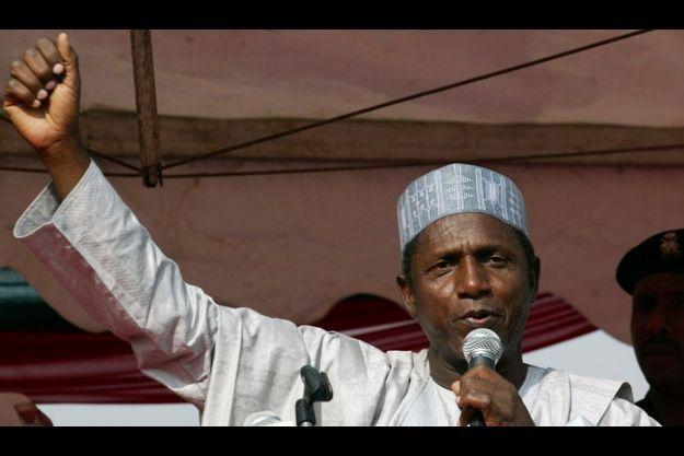 Umaru Yar'Adua lors de la campagne présidentielle de 2007