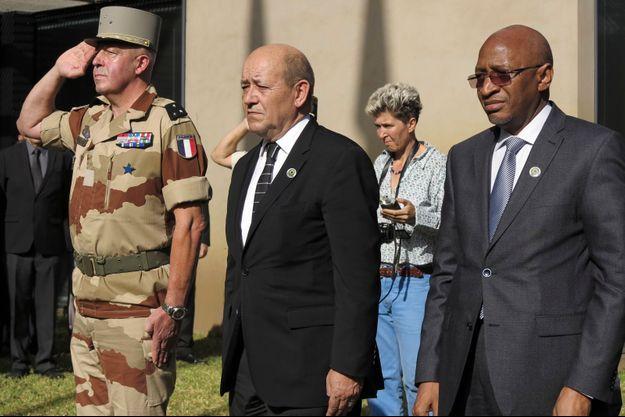 Le 19 janvier dernier, Jean Yves Le Drian et son homologue malien Soumeylou Boubeye Maiga avaient rendu hommage à un autre soldat français tombé au Mali.