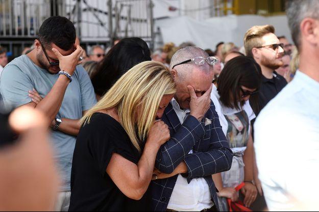 Les proches des victimes de Gênes à la cérémonie du souvenir, ce mercredi 14 août.