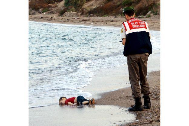 Le corps sans vie du petit Aylan a été retrouvé sur une plage de Bodrum le 1er septembre 2015.