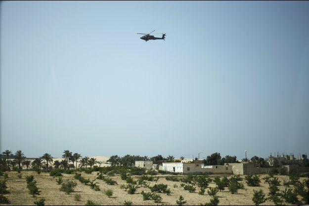 Un hélicoptère dans le ciel libyen (photo d'illustration).