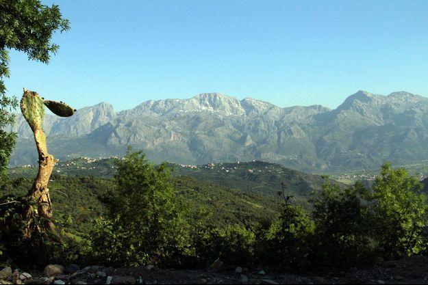 C'est dans ces montagnes du Djurdjura que le Français était parti en randonnée.