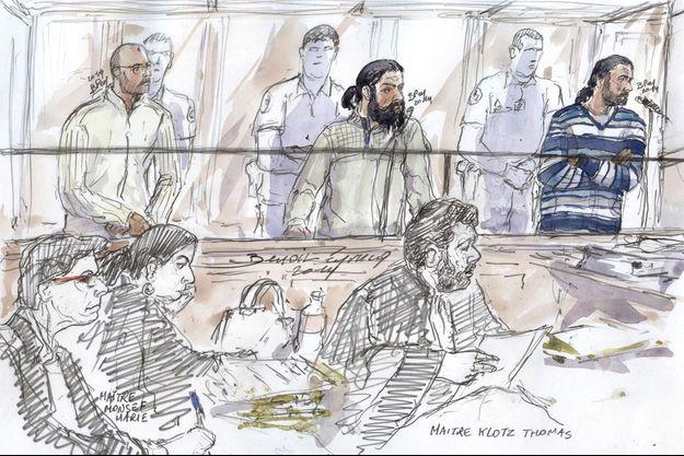 Mohamed Al Mesbah El Hafiani, debout, à gauche.