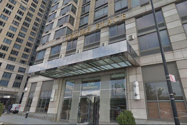 L'immeuble situé au 200 Riverside Boulevard.