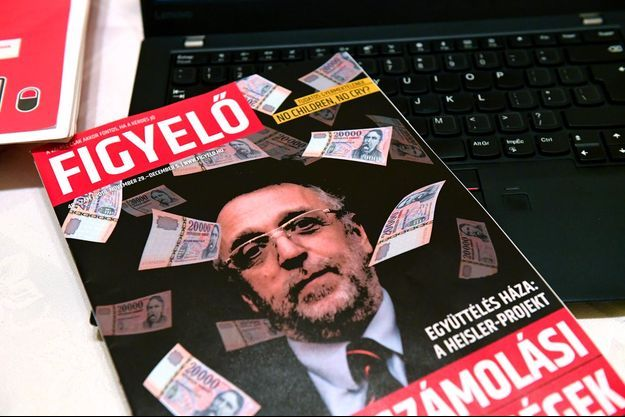 La couverture du magazine hongrois pro-gouvernemental Figyelo.