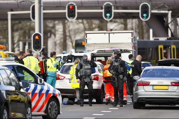 La police mobilisée aux Pays-Bas après la fusillade.
