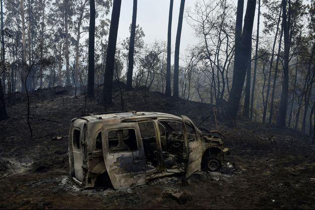 Les incendies en Espagne et au Portugal ont fait au moins 30 morts.