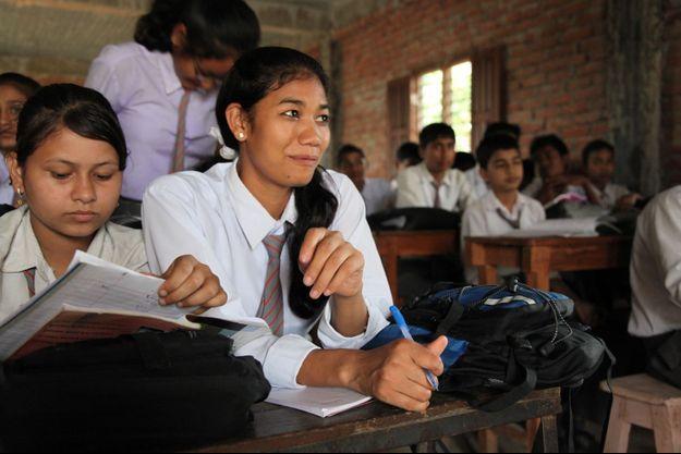 Urmila à l'école, quand elle avait 20 ans.