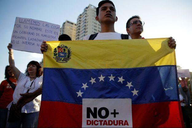 Des manifestants au Venezuela