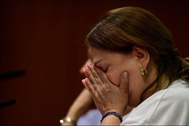 Les larmes de Mitzy Capriles lors de la conférence de presse donnée à Madrid le 1er août 2017.