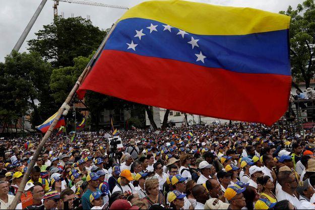Des soutiens à Juan Guaido dans les rues de Caracas, en mai dernier.