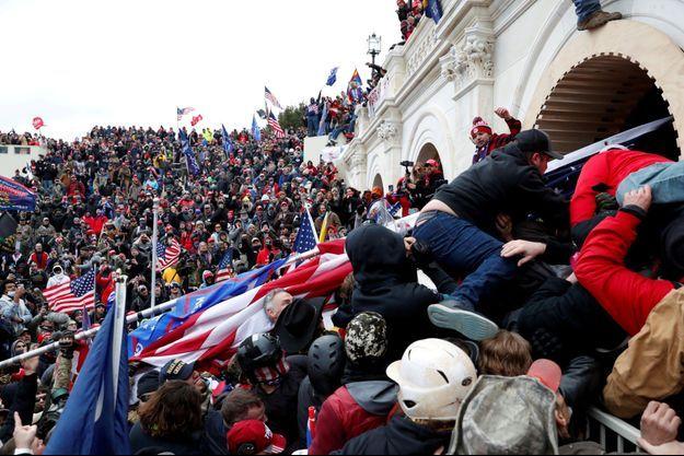 Les partisans de Donald Trump au Capitole, le 6 janvier.