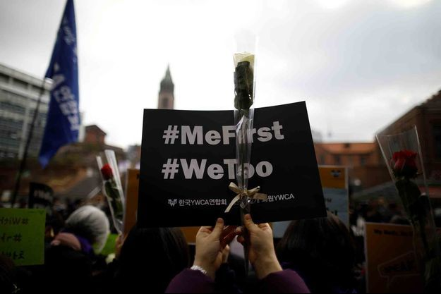 Une jeune femme manifeste pour soutenir le mouvement #MeToo à Séoul, le mars mars dernier.