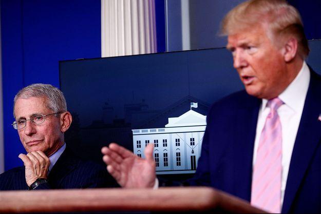 Le docteur Anthony Fauci et Donald Trump en conférence de presse.
