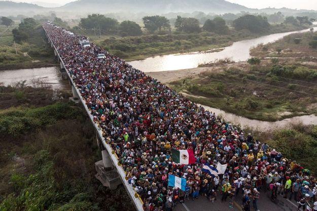 Le photographe Guillermo Arias a immortalisé la première caravane de Centraméricains.