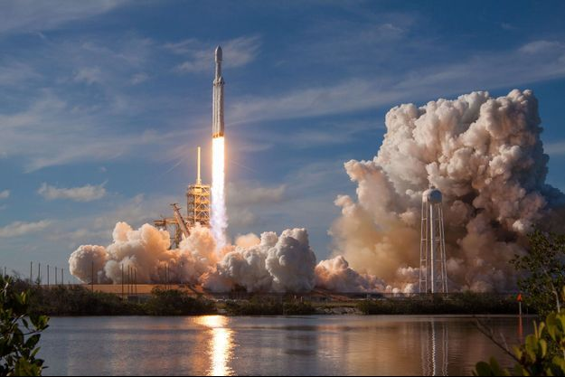La fusée la plus puissante du monde, la Falcon Heavy de SpaceX