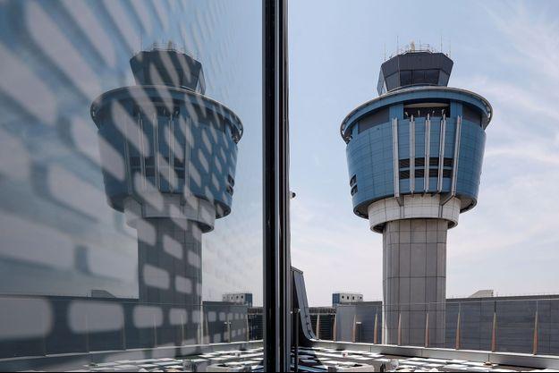 Photo d'illustration de la tour de contrôle de l'aéroport de LaGuardia, à New York.
