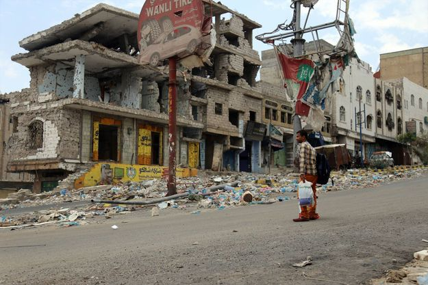 Le 7 avril 2016, les immeubles dévastés de Taez, troisième ville du Yémen, théâtre d'affrontement entre les milices chiites Houthis et les forces loyalistes du Président Abd Rabbo Mansour Hadi