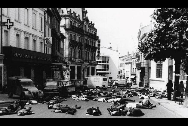 Michel Tauriac est à l'initiative du film « Mazamet, la ville rayée de la carte », réalisé par Guy Seligmann, en 1973.
