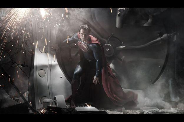 Première image du nouveau Superman incarné par le Britannique Henry Cavill