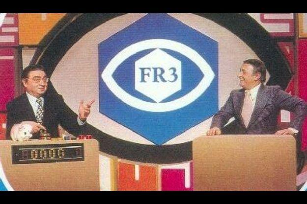 """Maître Capello, à gauche sur la photo, sur le plateau des """"Jeux de 20 heures""""."""