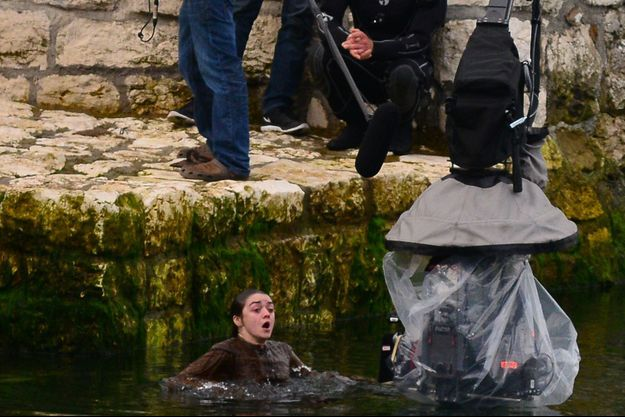 "Maisie Williams (Arya Stark) sur le tournage de ""Game of Thrones"" en Irlande du Nord."