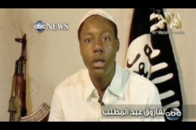 Omar Farouk Abdulmuttallab, le jeune Nigérian qui a voulu se faire se faire sauter avec un avion de ligne en décembre dernier, dans une vidéo diffusée sur la chaîne américaine ABC.