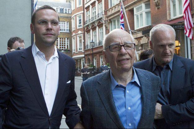 Rupert Murdoch et son fils James, photographiés en juillet 2011.
