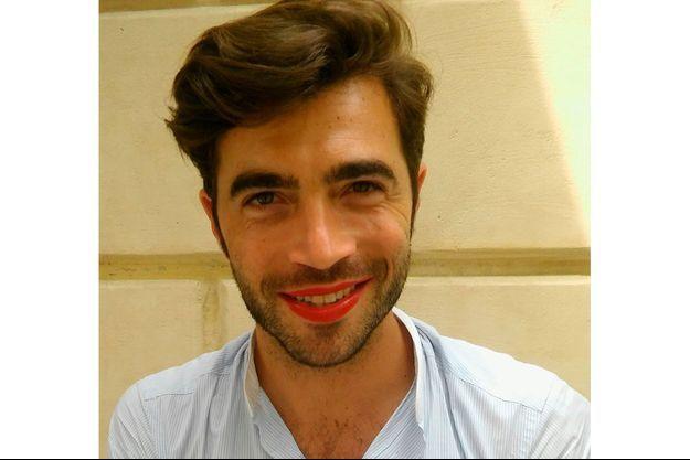 Gian Marco Tavani, adorable et plein d'humour, s'est laissé maquiller pour l'occasion. Jamais le rouge n'a eu autant d'éclat.