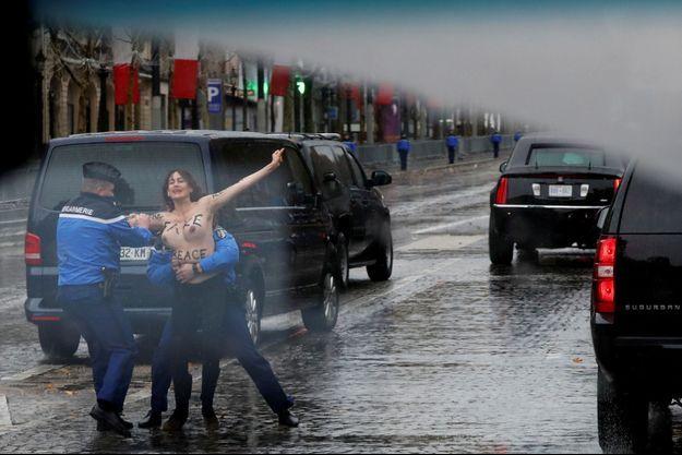 Les Femen ont été immédiatement interpellées.