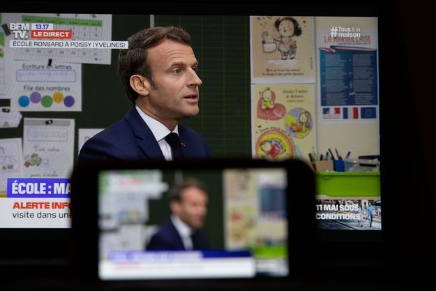 Emmanuel Macron, mardi lors de son interview télévisée, depuis l'école Pierre de Ronsard à Poissy.