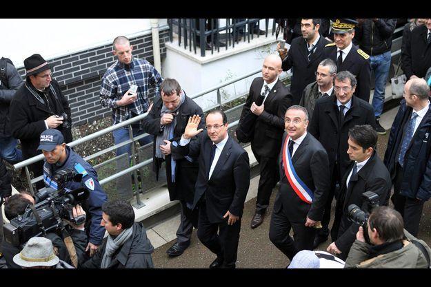 François Hollande, le 5 janvier, à Val-de-Reuil