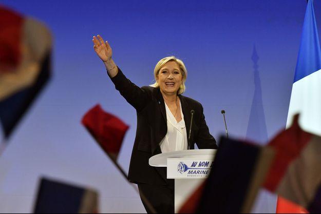 Marine Le Pen en meeting à Bordeaux, le 2 avril 2017.