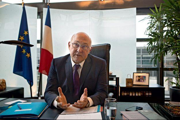 Michel Sapin dans son bureau de Bercy, le 13 octobre.