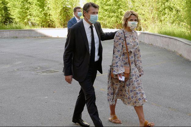Christian Estrosi et son épouse Laura Tenoudji , dimanche matin.