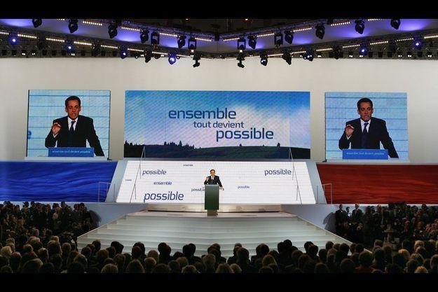 Dispositif monumental, bleu-blanc-rouge omniprésent et écrans géants: le Sarkozy millésime 2007 avait le goût du spectacle.