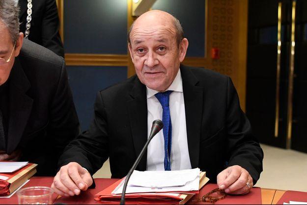Le Drian devant la commission d'enquête du Sénat.