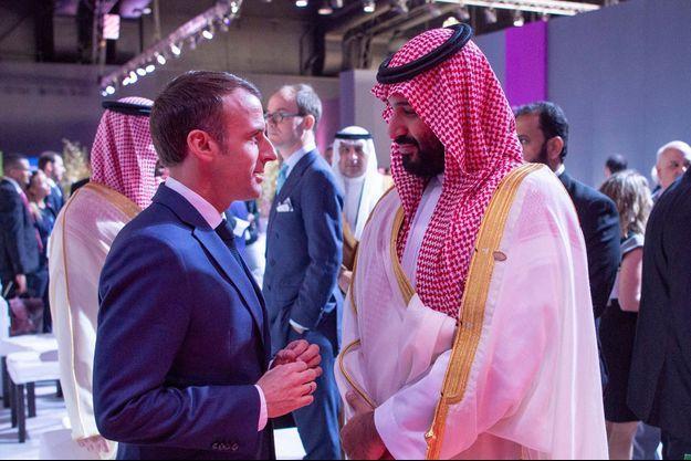 Emmanuel Macron a eu une courte discussion jeudi avec le prince héritier saoudien Mohammed ben Salmane.