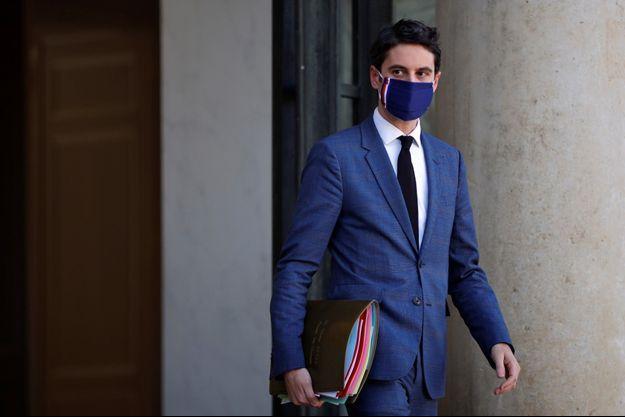 Le porte-parole du gouvernement Gabriel Attal à sa sortie de l'Elysée, le 24 février.