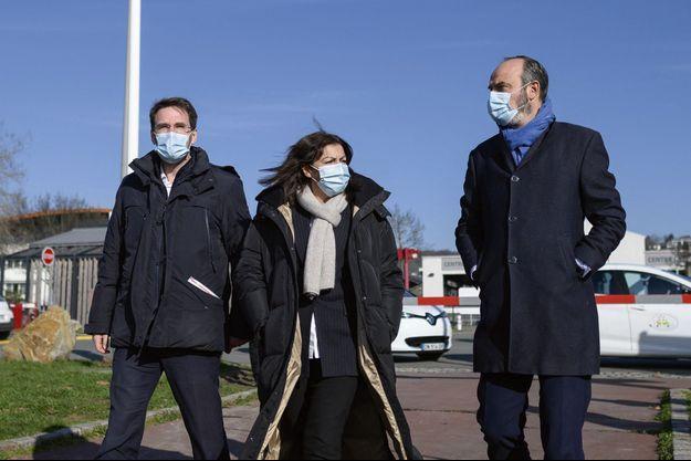 Nicolas Mayer-Rossignol, Anne Hidalgo et Edouard Philippe à Rouen, le 15 février.