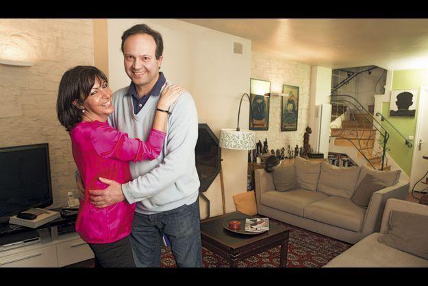 Samedi 9 mars, Anne Hidalgo et Jean-Marc Germain, député des Hauts-de-Seine, chez eux dans le XVe arrondissement. Ils sont ensemble depuis quatorze ans. C'est Bertrand Delanoë qui les a mariés en 2004.