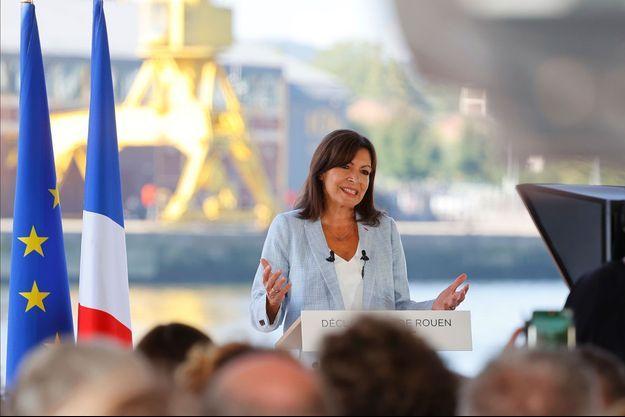 Anne Hidalgo dimanche à Rouen lors de sa déclaration de candidature.