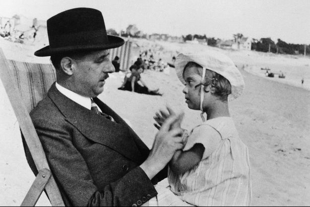 Charles et Anne de Gaulle en Bretagne en 1933.