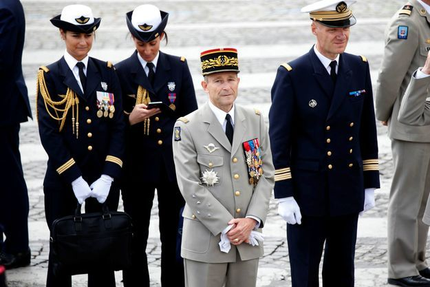 Le 14 juillet 2017, un moment difficile pour le chef d'Etat-Major des armées, le général Pierre de Villiers s'apprête alors à remettre sa démission