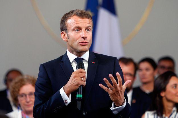 Emmanuel Macron, vendredi à Paris lors d'un discours devant des chefs d'entreprise.