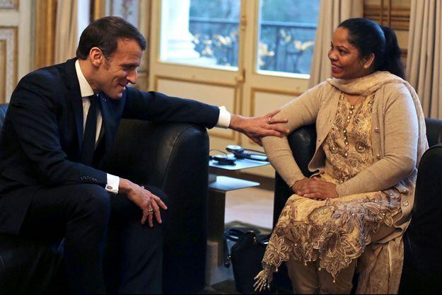 Emmanuel Macron et Asia Bibi le 28 février 2020.