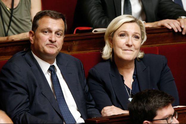 Louis Aliot et Marine Le Pen à l'Assemblée Nationale, le 12 juillet 2017.