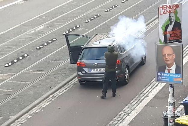 Photo issue d'une vidéo montrant le tireur de Halle.